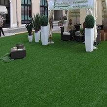 楼顶隔热方法解析,人造草坪让您享受清凉一夏
