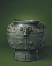 青铜器铜台几式炉陈设器可以卖多少钱一平尺?图片