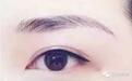 美瞳线硬生生纹成了眼线,想哭......