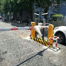 北京昌平區伸縮門安裝廠家直銷電動道閘安裝維修一條龍服務圖片