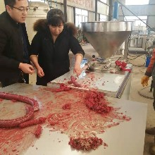 红肠灌肠机厂家,红肠灌肠机多少钱一台,全自动灌肠机图片