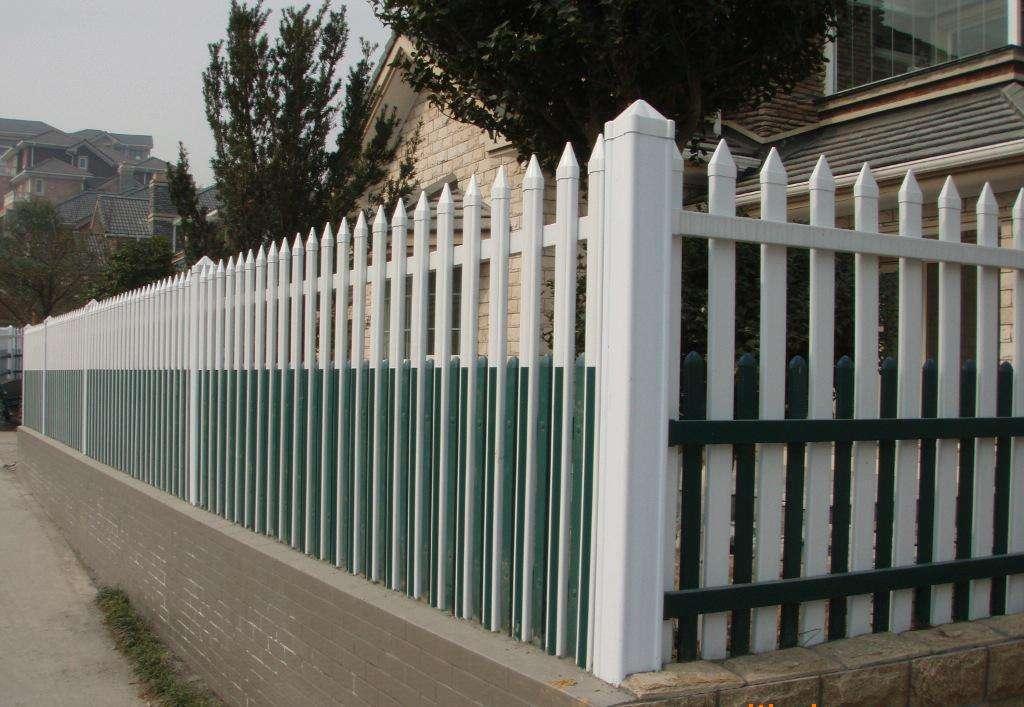 提供安装指导:浙江温州乐清塑钢草坪护栏/-市场价格-大量-团买