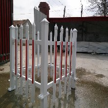 呼伦贝尔市变电站所pvc护栏/马路中间使用图片