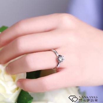 结婚买钻戒还是黄金?