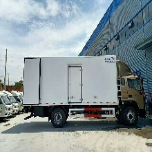 新疆新款福田冷藏车性能可靠,鲜货运输车图片