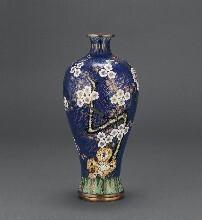 珐琅彩瓷器、藏品当今最热门最具有收藏价值