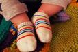 镇平儿童摄影告诉你宝宝穿袜子睡觉到底好不好?