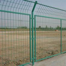 巨人专业生产框架护栏网小区护栏网2乘3框架隔离网价低质优欢迎来电咨询