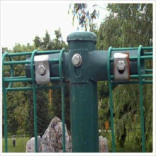 巨人供应双圈护栏网道路防护网围墙护栏网专业浸塑坚固耐用欢迎来电咨询