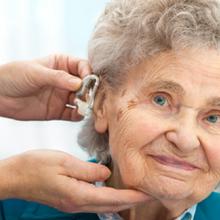 华南听觉有道告诉你,应该怎么用老人助听器