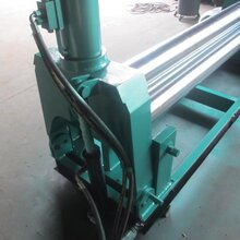 山東廠家直銷各種型號的卷板機,批發零售小型三輥卷圓機圖片