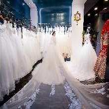 荆州地区主持人宴会小礼服租赁年会妆马来服婚纱店