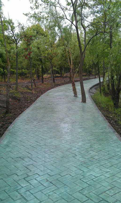 益阳彩色压花地坪材料、仿古地坪施工、仿木地坪模具