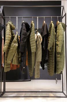 嘉贝逸飞杭州尾货服装在哪里批发广东品牌女装尾货折扣