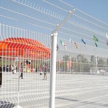 浙江園林景區折彎護欄網、三角折彎護欄網安裝中圖片