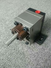 濟南州港BT-12高精度齒輪計量泵,AB膠齒輪計量泵,小流量齒輪計量泵圖片