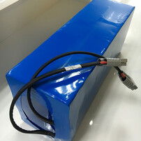 智能机器人小车,AGV小车,三元锂电池组,磷酸铁锂电池组图片