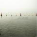 贛州運河用錐形航道標一體式塑料浮標椎體航標帶警示燈施工安裝