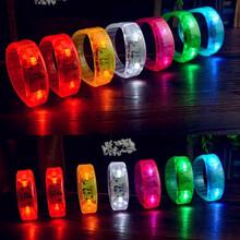 韓國風酒吧夜店演唱會圣誕助威LED震動發光手環LED閃光手鐲批發圖片