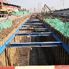 孝义钢板桩施工、钢板桩租赁、山西钢板桩、打桩机租赁图片