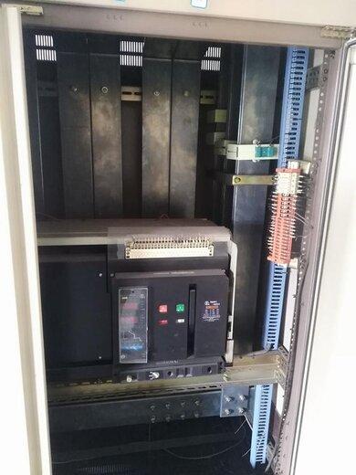 配电柜33