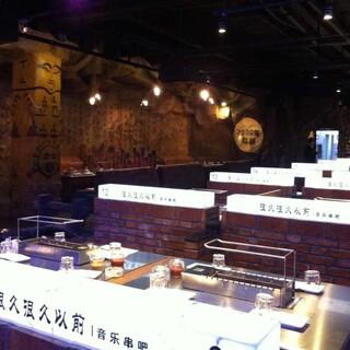 湖南贵州江西塑石假山假树大门木纹栏杆施工队伍图片1