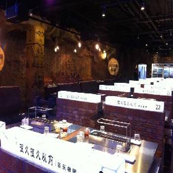 湖南贵州江西塑石假山假树大门木纹栏杆施工队伍