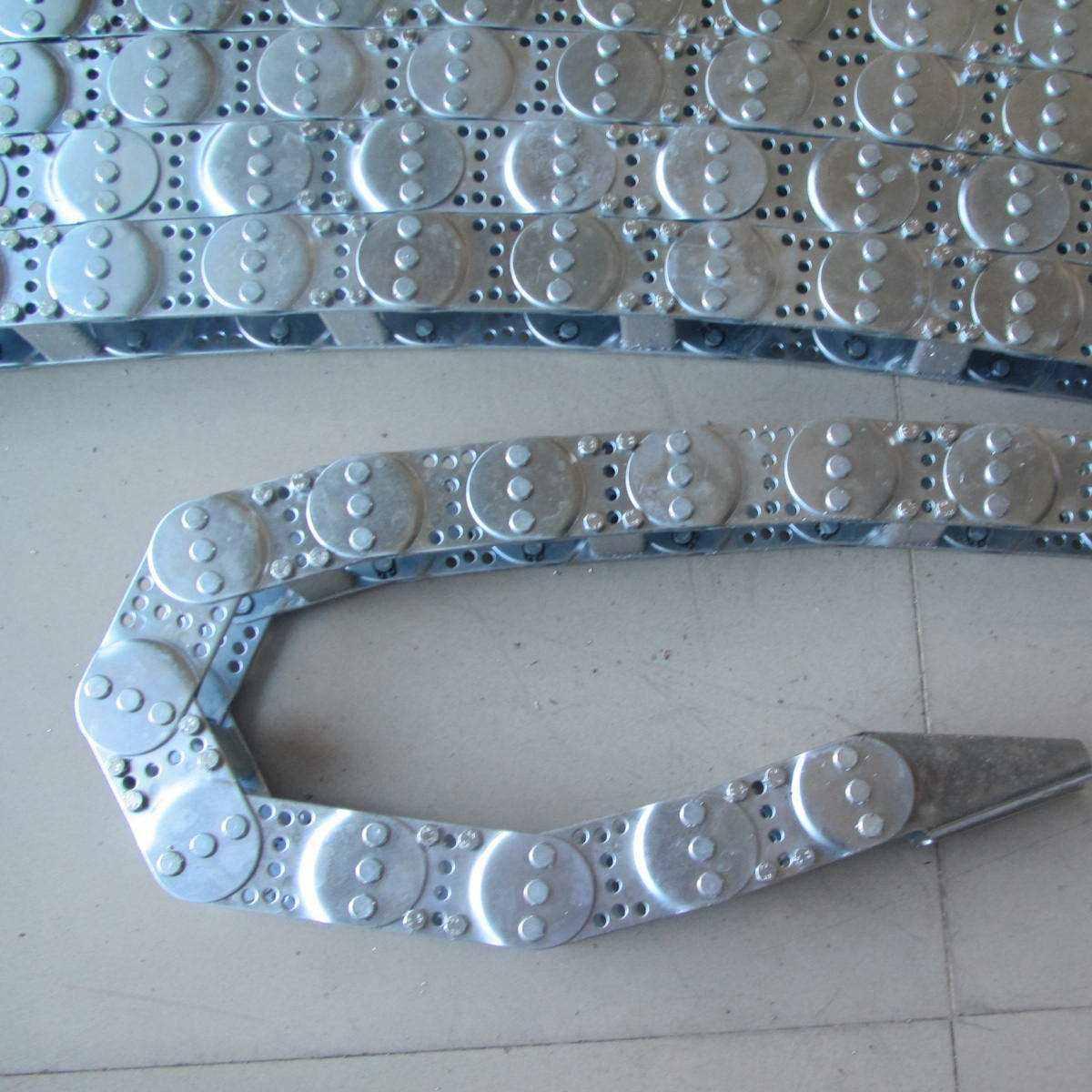 钢板防护罩圆形风琴防护罩盔甲防护罩金大机械生产厂家