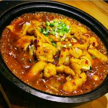 鱼米相遇鱼米饭番茄麻辣酸菜鱼米饭无刺鱼米饭餐饮共享图片