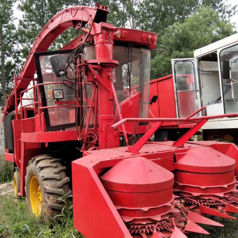 大型圆盘式秸秆靑储机拖拉悬挂秸秆回收机牧草收割机厂家