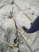 香港土石方遇到的石头用什么设备劈裂机怎么样