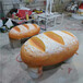 港粵雕塑透光面包模型,定做港粵雕塑玻璃鋼面包雕塑面包門頭裝飾發光面包廠家直銷