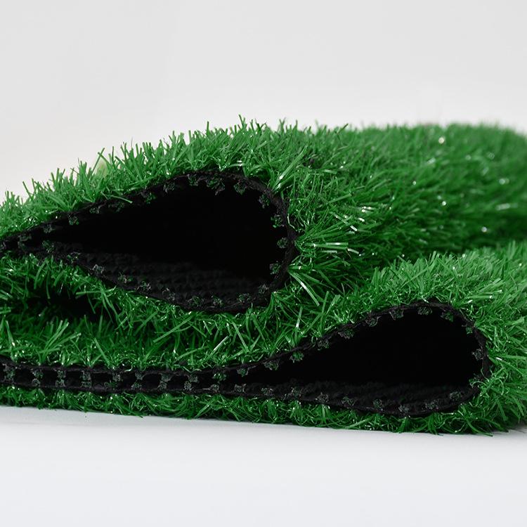 足球場鋪設人造草皮