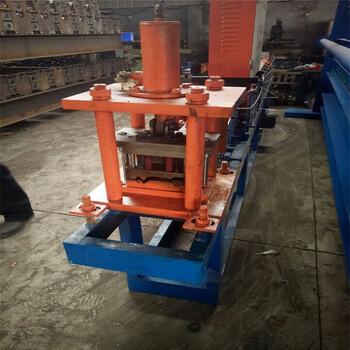泊头顺昌通出售125抗风卷帘门压瓦机设备新型压瓦机