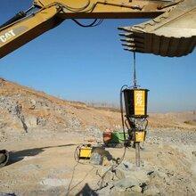 不让放炮液压劈裂机一天产量多少方石头施工案例