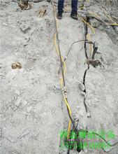 基础开挖玄武岩劈石机报价太和区图片