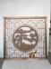 拉絲玫瑰金不銹鋼屏風中夾鋁雕迎客松圖案制作廠家