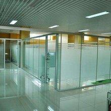 铝合金框玻璃隔断铝合【金框玻璃隔断价格_铝合金框图片