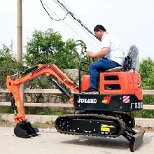 重慶小型挖掘機廠家電話圖片