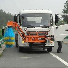 东风天锦护栏清洗车高速护栏清洗车图片