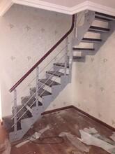 实木楼梯钢木双梁楼梯图片