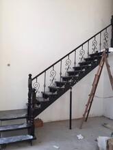 中柱旋转楼梯室外楼梯防锈图片