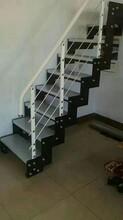 斜梁楼梯实木楼梯踏板图片