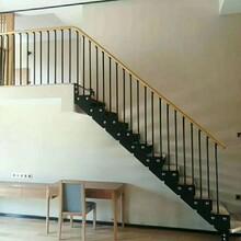 玻璃楼梯实木楼梯踏步板图片