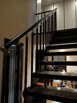 楼梯配件赤峰双梁楼梯厂家