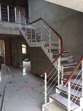 樓梯配件現代鋼木樓梯圖片