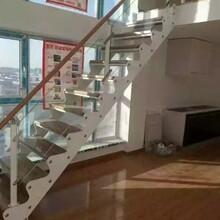钢木楼梯河南双梁楼梯厂家图片