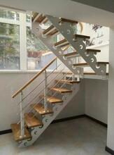 别墅楼梯一对一定制生产各类楼梯图片