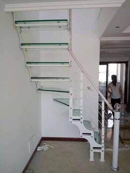 楼梯配件木板采用泰国橡胶木实木木板