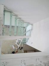 楼梯护栏钢木双梁楼梯厂家图片